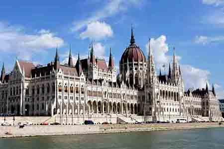 匈牙利国会大厦.jpg
